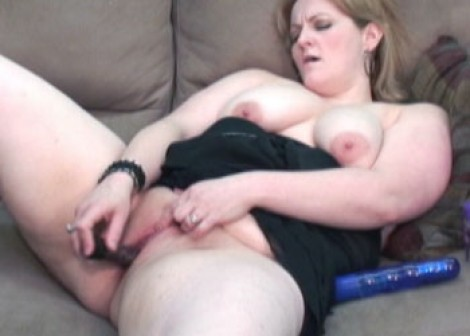 Mature slut Rebecca fucks a toy